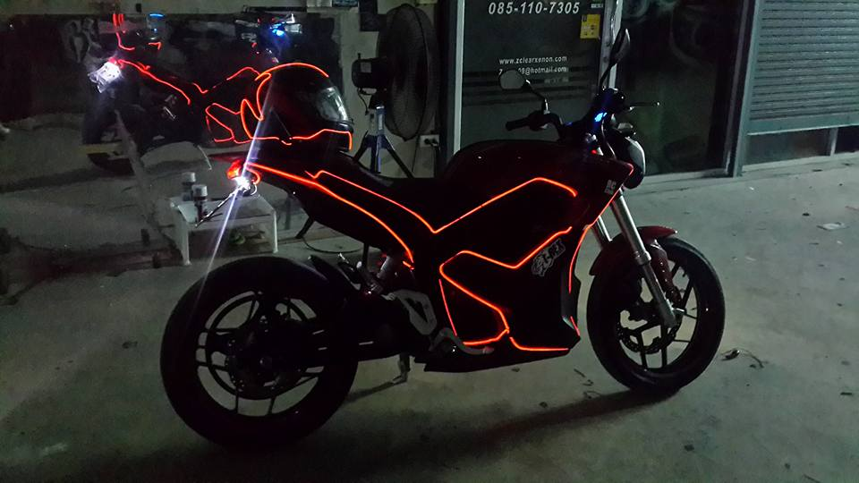 Luminescent Wire On Motorcycle - WIRE Center •