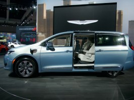 Chrysler Pacifica Plug-In Hybrid