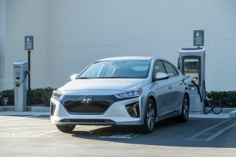 2017 Hyundai Ioniq EV (12)