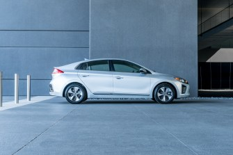 2017 Hyundai Ioniq EV (32)