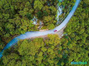 60 sportscar scenic road bear mountain BMW 330e Hybrid 3 series sports sedan review