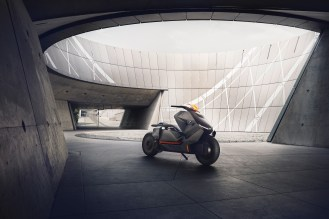 P90260578_highRes_bmw-motorrad-concept