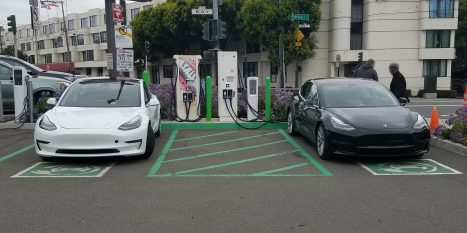 Tesla Model 3 black white 2