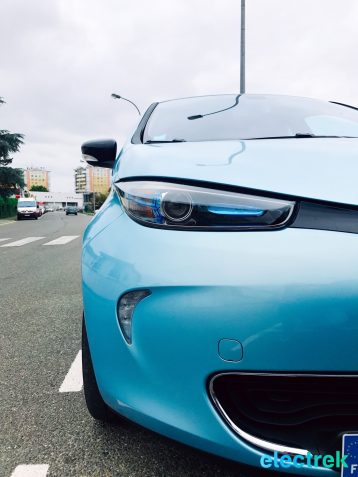 29 Renault Zoe Blue Turquoise Design Lines Electric Vehicle Battery Powered Green Electrek Best Selling EV Europe - 124