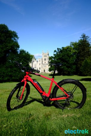 Lyndhurst Mansion Trek Super Commuter 8 Electric bike bicycle Electrek-107