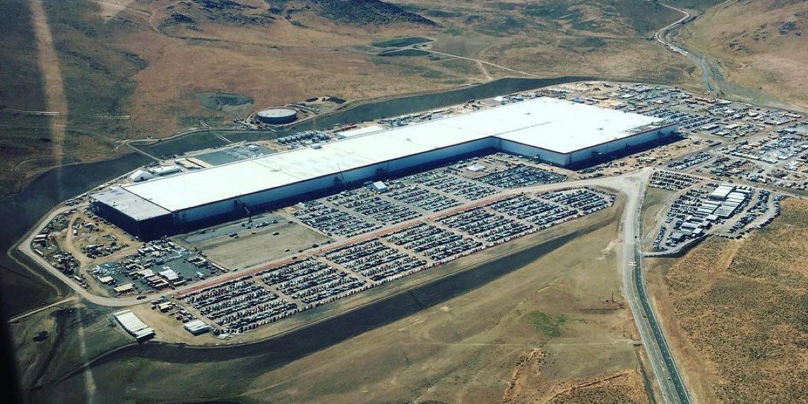 Route 22 Nissan >> Elon Musk says Hyperloop route up to Tesla Gigafactory 1 ...