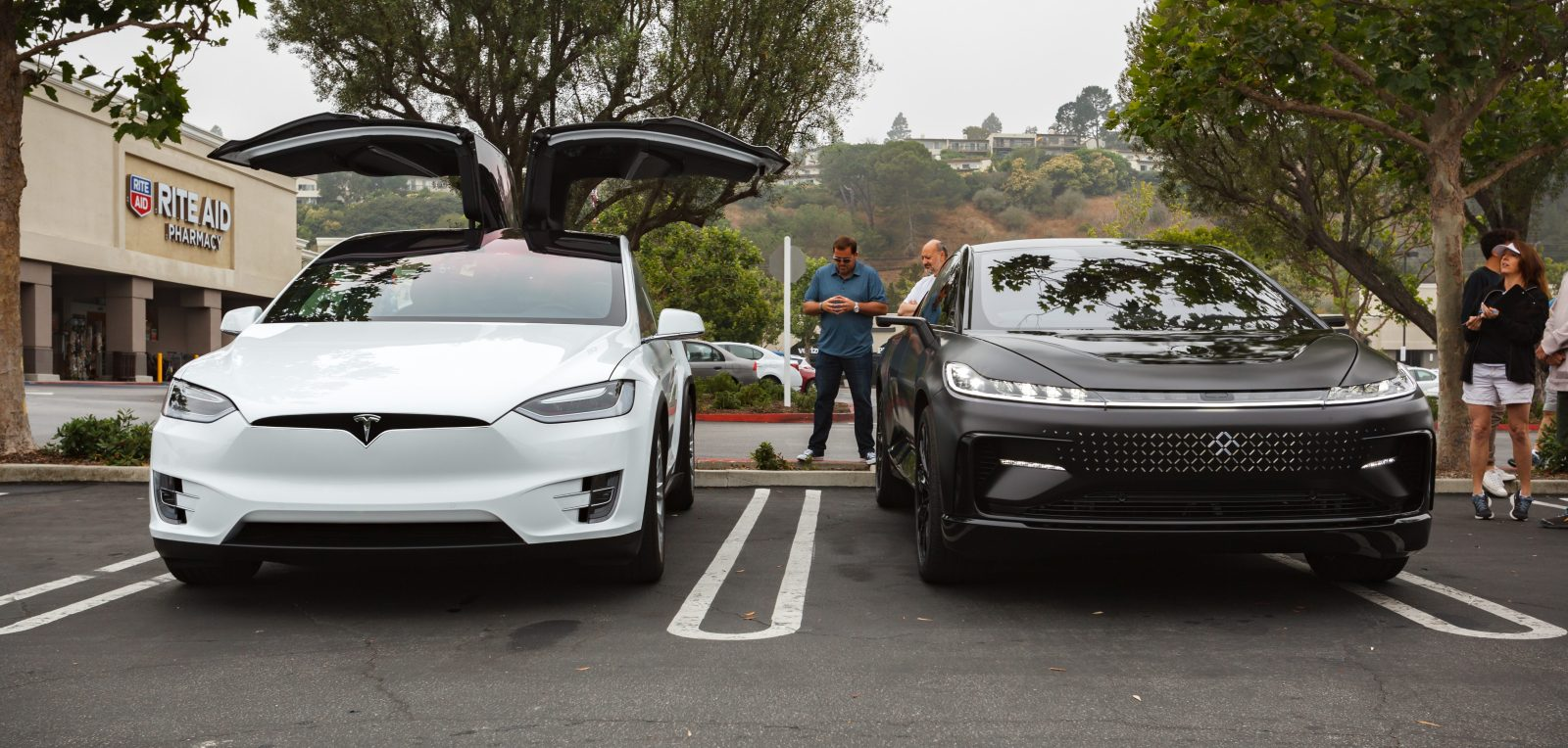 a look at tesla model x vs faraday future 39 s ff91 electrek. Black Bedroom Furniture Sets. Home Design Ideas