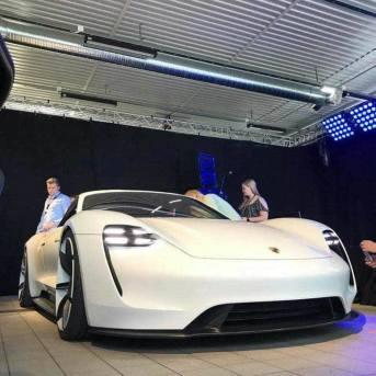 Porsche Mission E 13