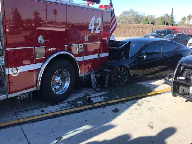 Tesla fire truck autopilot 1