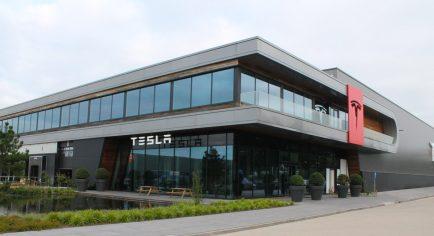 Tesla tilburg 1