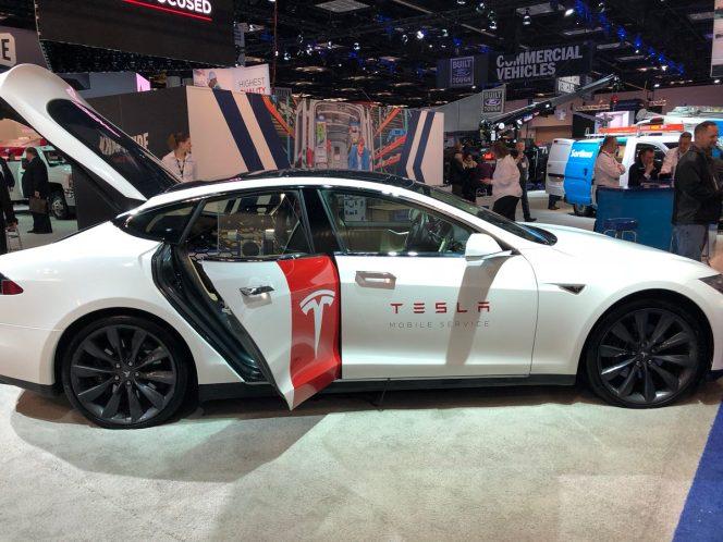Tesla Model S mobile service 3