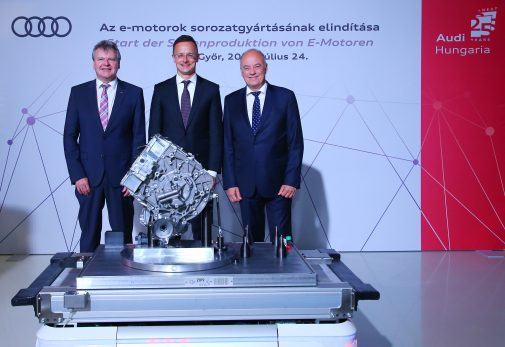 Series production of electric motors officially started in Gy?r. The electric motors are produced on floor space of 8,500 square meters with an innovative production concept: modular assembly. In the picture (from left to right): Achim Heinfling (Managing Director of Audi Hungaria), Péter Szijjártó (Minister for Foreign Trade and Foreign Affairs) and Peter Kössler (Board of Management Member for Production and Logistics at AUDI AG).