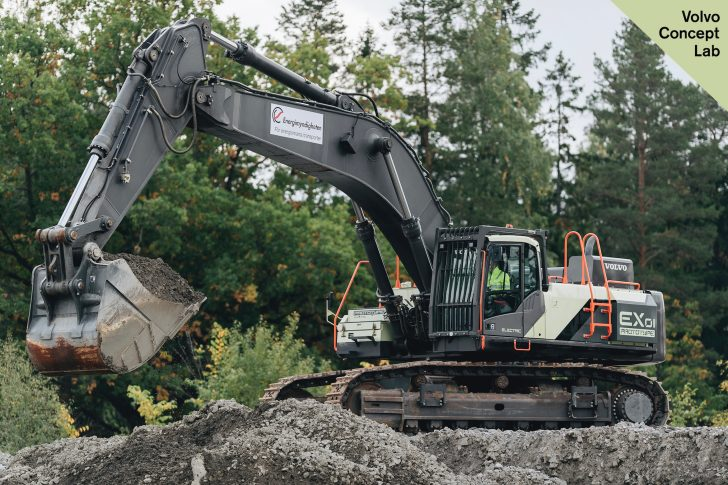 Prototype EX1 dual-powered, cable-connected excavator