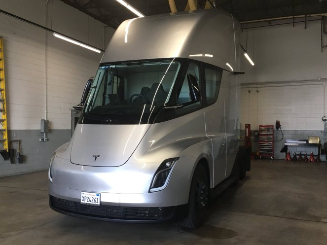 Tesla Semi UPS 1
