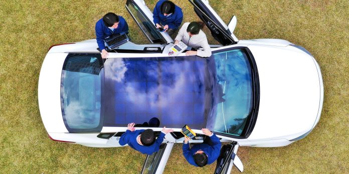 hyundai and kia unveil new solar roof to charge batteries in