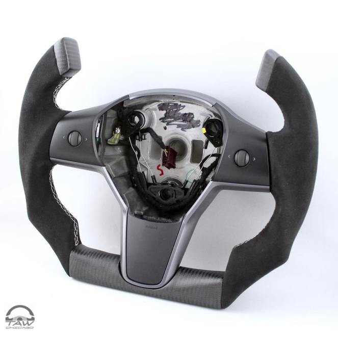 Tesla Model 3 Roadster steering wheel 3