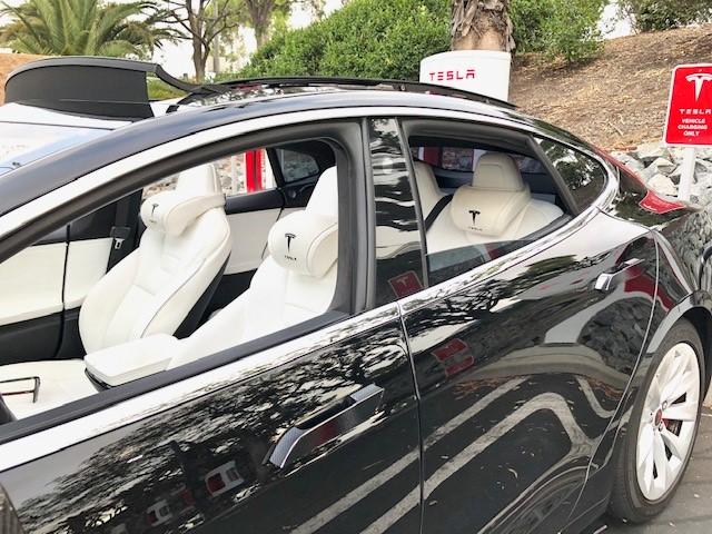 Tesla headrest white 3