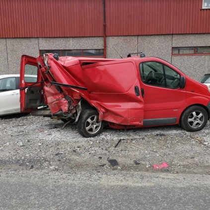 Tesla Model S crash Autopilot 4