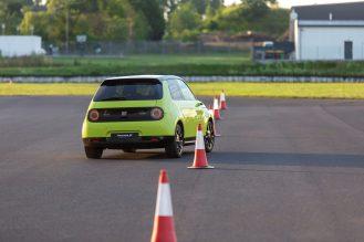 Honda e track