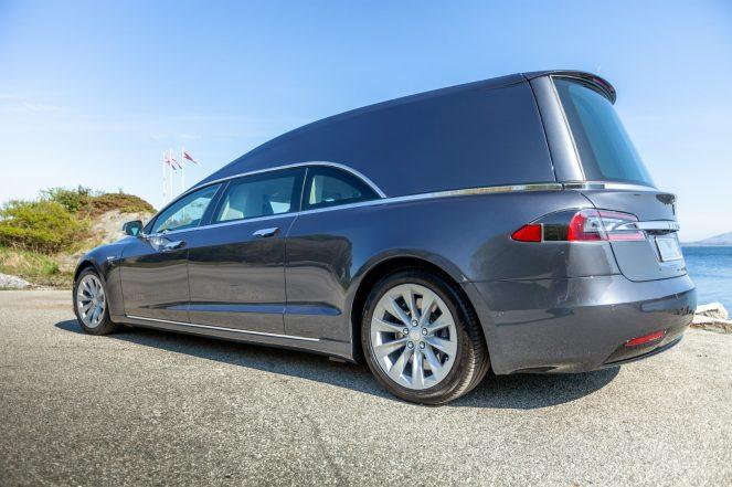 Tesla Model S hearse 5