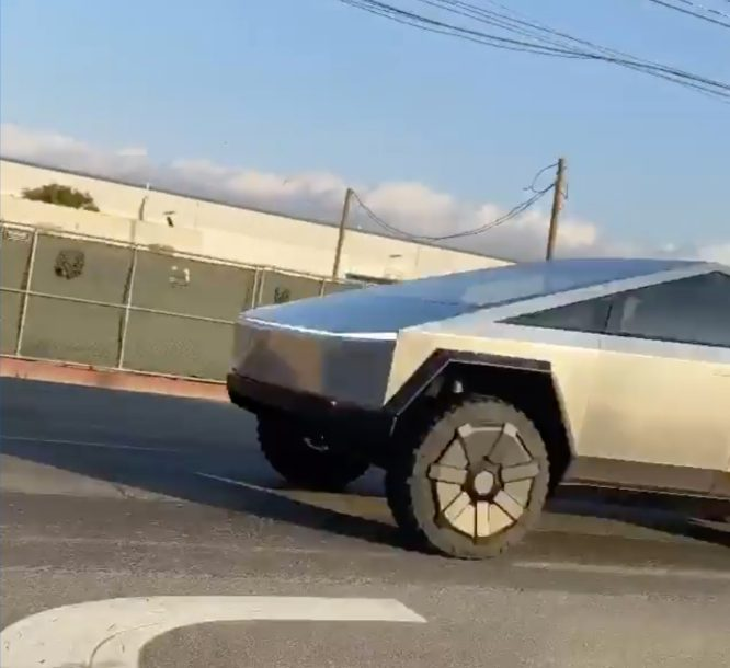 Tesla Cybertruck prototype spotted 3