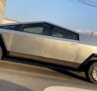 Tesla Cybertruck prototype spotted 4