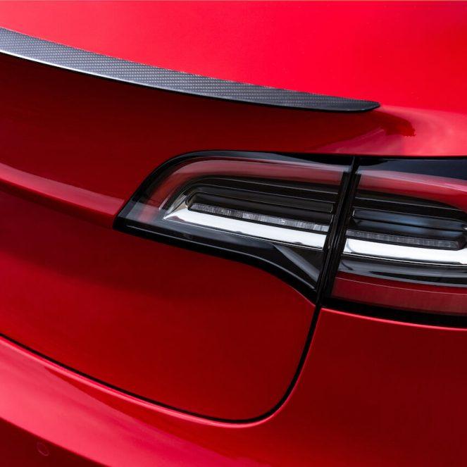 Tesla Model 3 spoiler 1