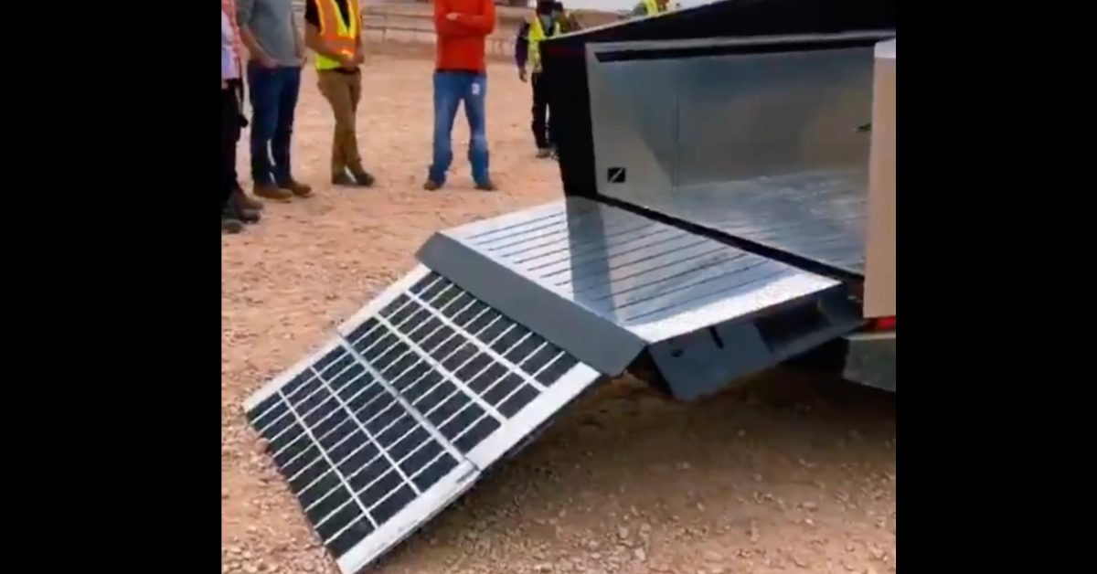 Tesla Cybertruck sighting shows best look at electric pickup's bed and tailgate ramp - Electrek