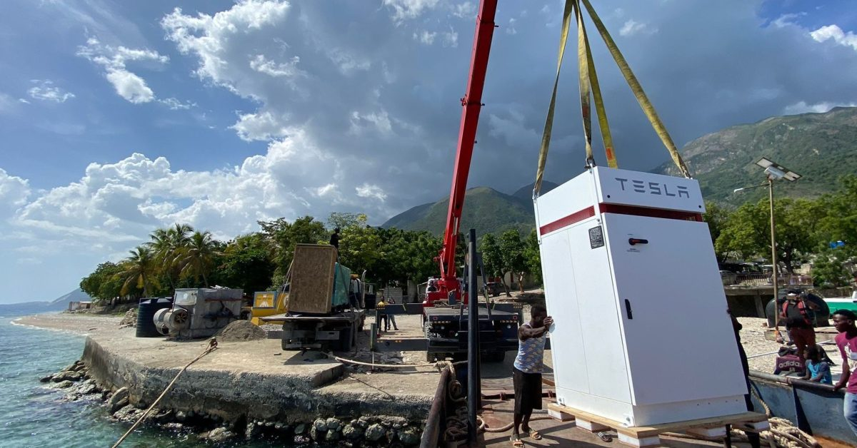 Tesla Powerpacks to help power critical hospital in Haiti having issues with its solar system - Electrek
