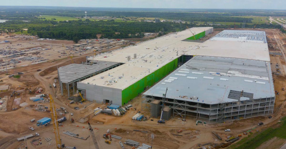 Tesla Gigafactory Texas is taking shape in new drone flyover video