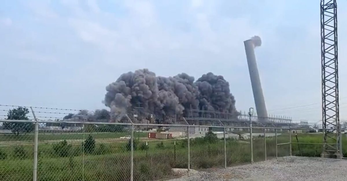 EGEB: Watch the TVA blow up its oldest coal-fired plant (and they want to replace it with natural gas)