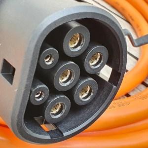 Borne de recharge triphasée avec câble (11kW ou 22kW)