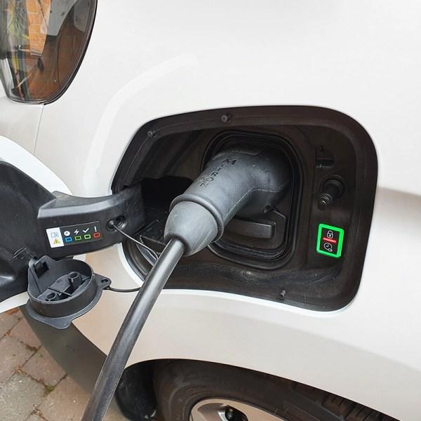 Borne de recharge VE avec câble (jusqu'à 22kW)