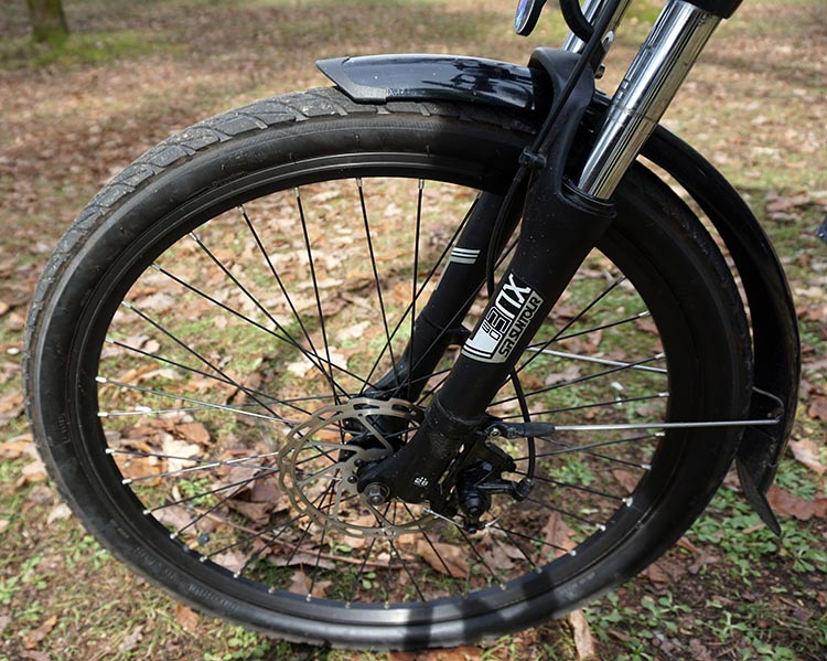Components on the Spark electric bike include Suntour shocks in the front, which really make the bike more useful, as you can go off road and still be comfortable. Spark Electric Bike Review