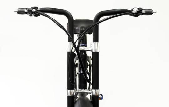 ford-super-cruiser-electric-bike-pedego-handlebars