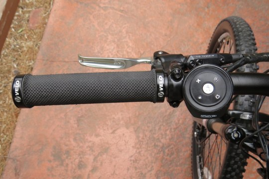 izip-peak-left-handlebar