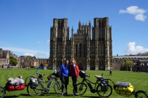 e-bike cycle tourists