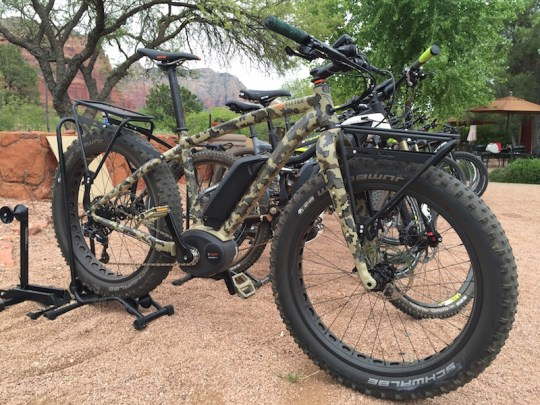 felt outfitter camo electric bike