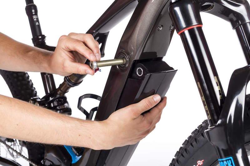 Specialized Levo electric mountain bike battery bolt