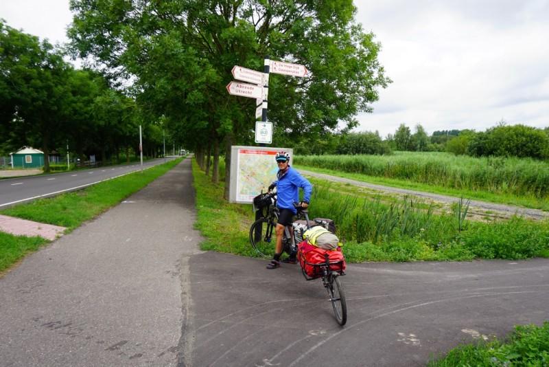 e-bike cycle tourists 3