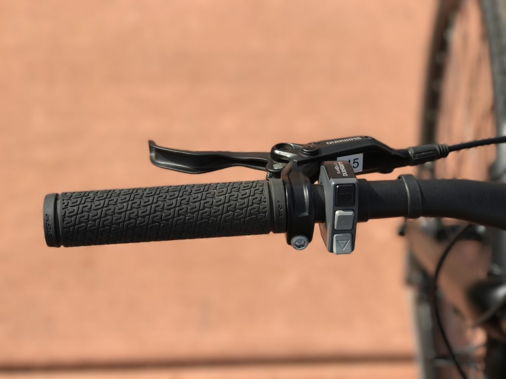 raleigh-misceo-ie-sport-electric-bike-brake-lever