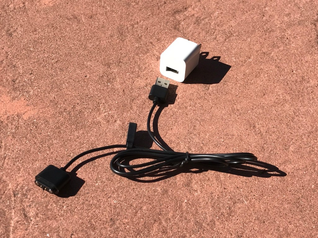 lumos-smart-helmet-charge-cable