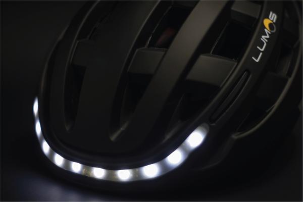 lumos-smart-helmet-front-lights