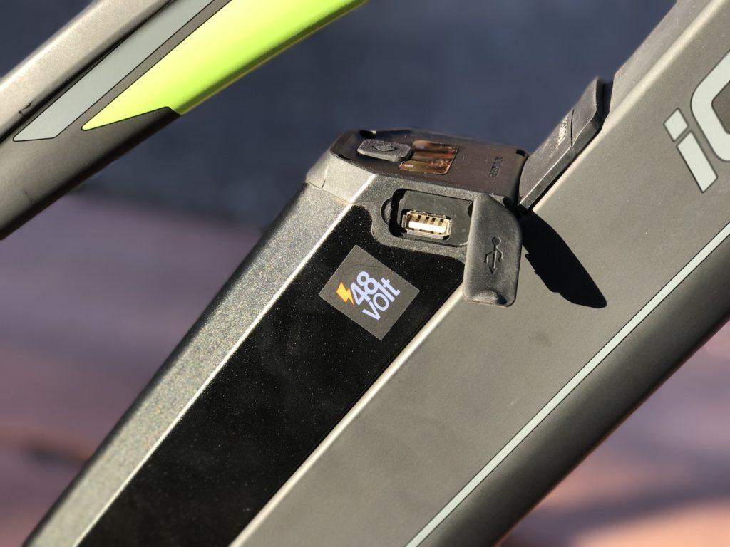 igo-m29r-electric-mountain-bike-battery-usb