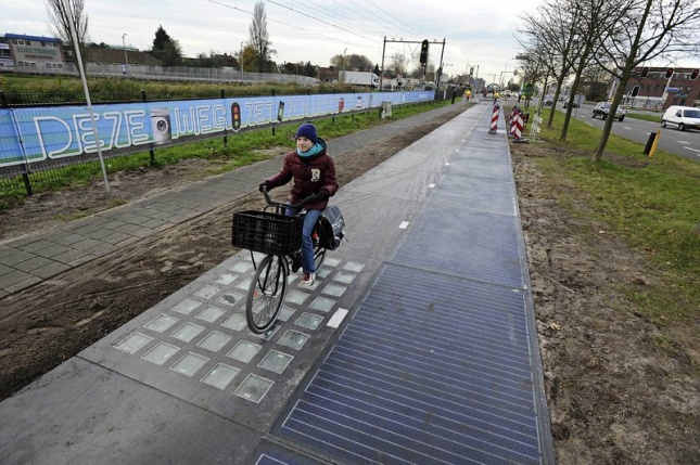the-original-solaroad-north-of-amsterdam