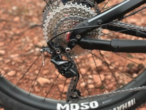 izip-e3-peak-electric-mountain-bike-shimano-derailleur