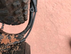 izip-e3-peak-electric-mountain-bike-tire-clearance