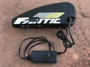 Fantic XF1 Casa electric mountain bike battery and charge