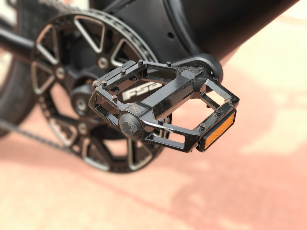 Raleigh Redux iE electric bike pedals