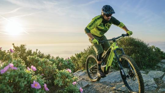 "Dr. Says ""Ride Your Electric Mountain Bike"" [VIDEO]"